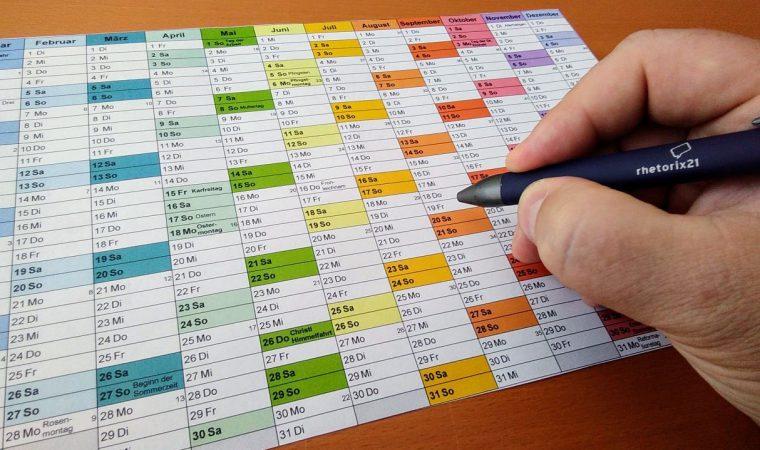 Kalender-mit-Hand-16-9_02.jpg